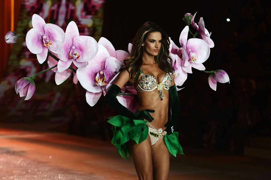 Alessandra Ambrosio Wore Over 5,000 Precious Gemstones Down The Runway