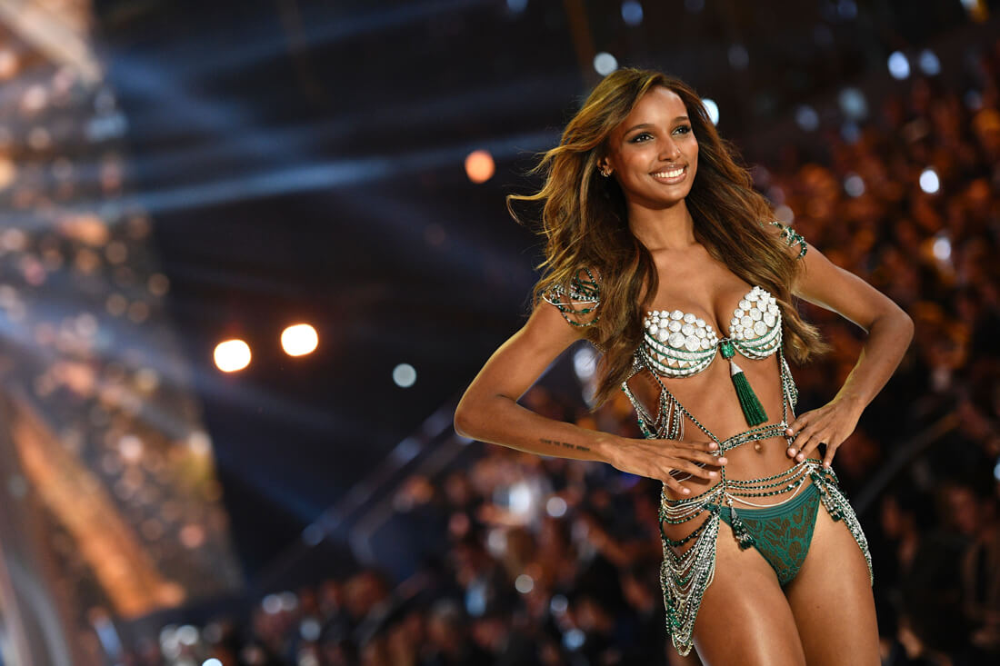 The 2016 Fantasy Bra Is Made Of Over 400-Karats-Worth Of Diamonds