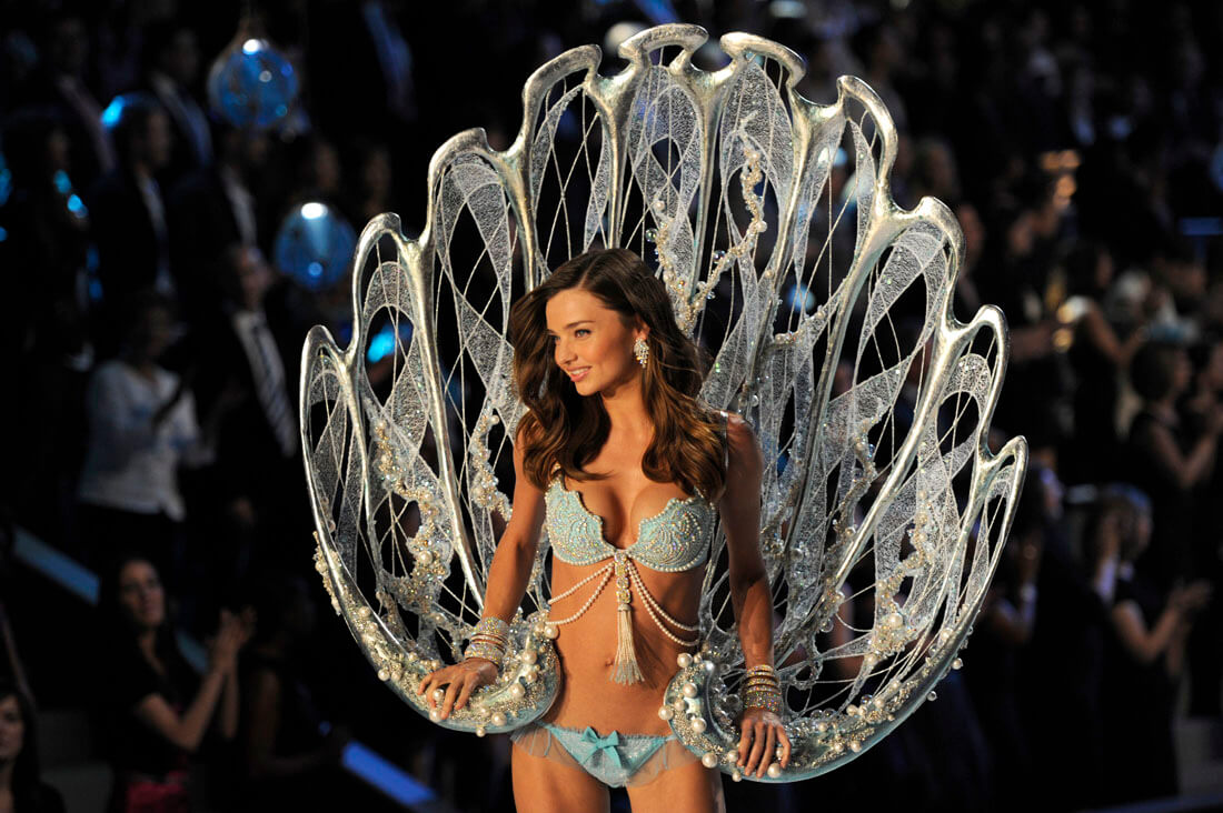 Miranda Kerr Was Chosen To Model The 2011 Fantasy Bra