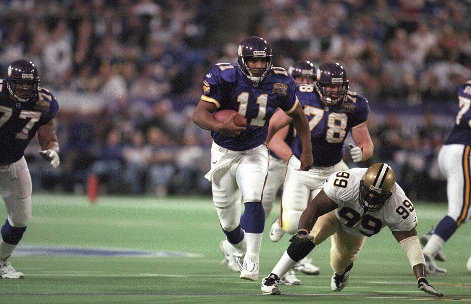 Daunte Culpepper once fought a tight end while with the Vikings