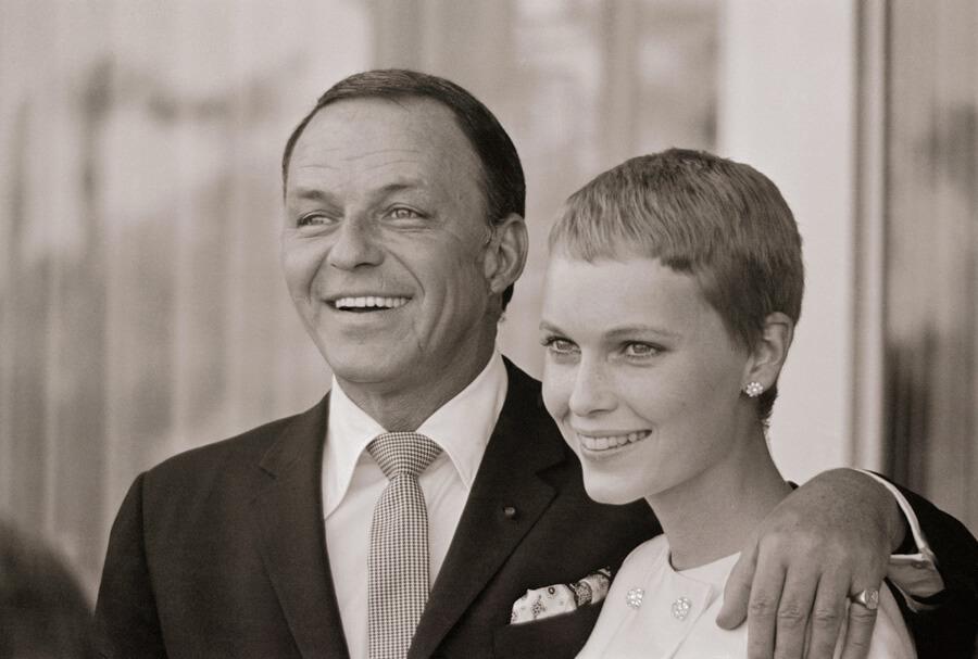 frank-sinatra-mia-farrow-1966.jpg