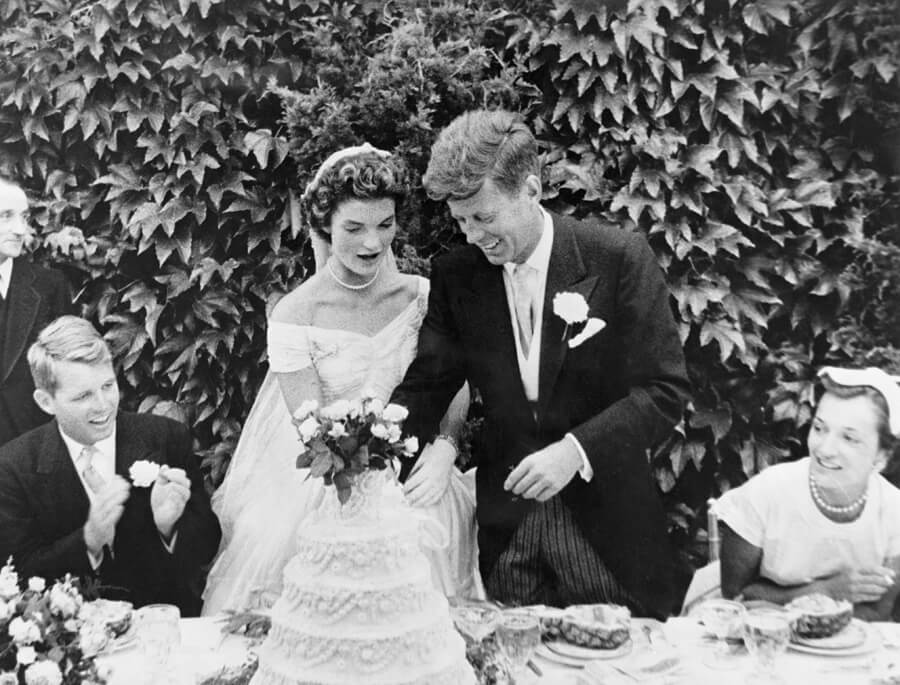 jackie-o-jfk-wedding-1953.jpg