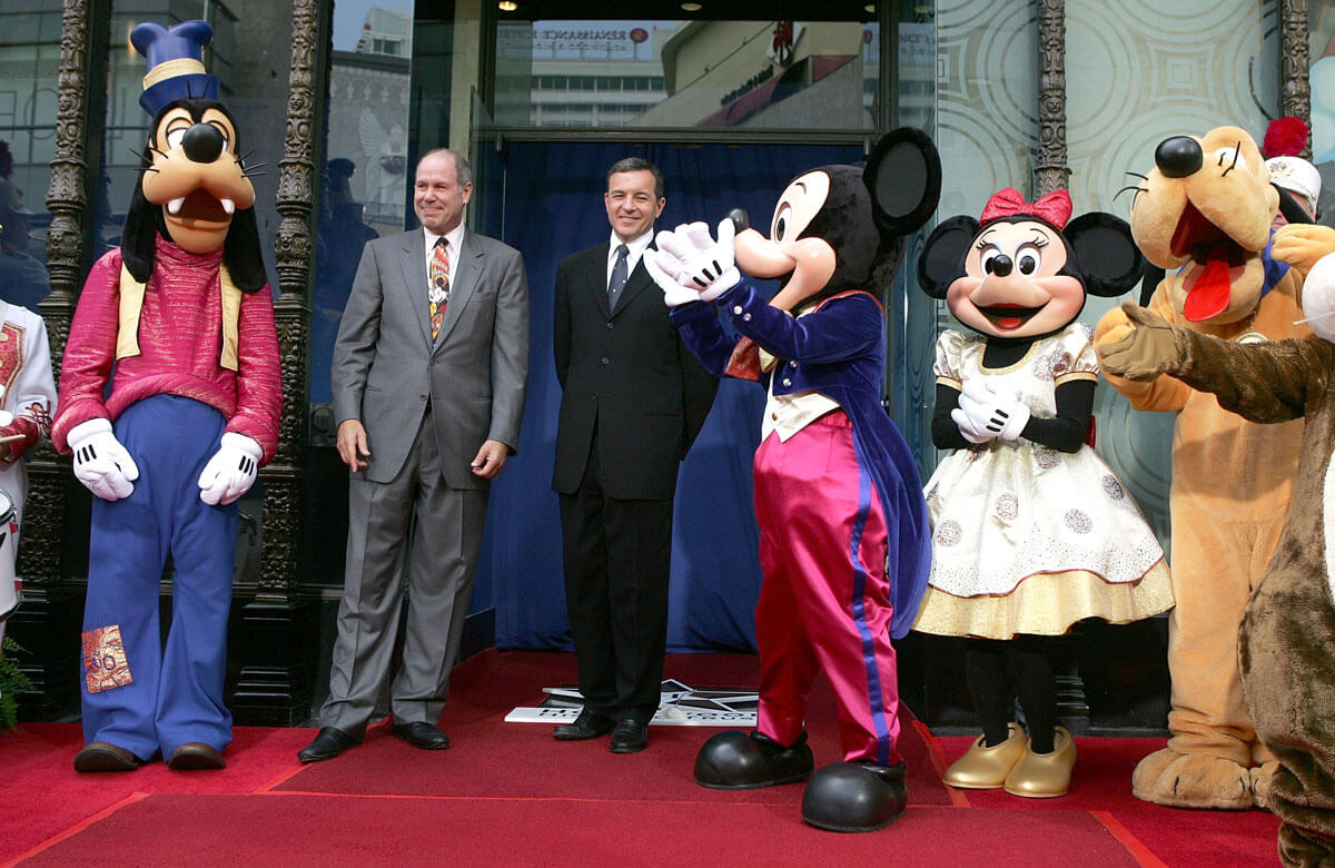 disneyland-walk-of-fame.jpg