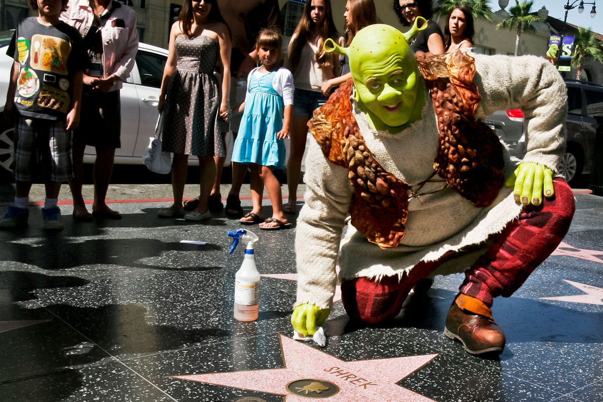 shrek-walk-fame.jpg