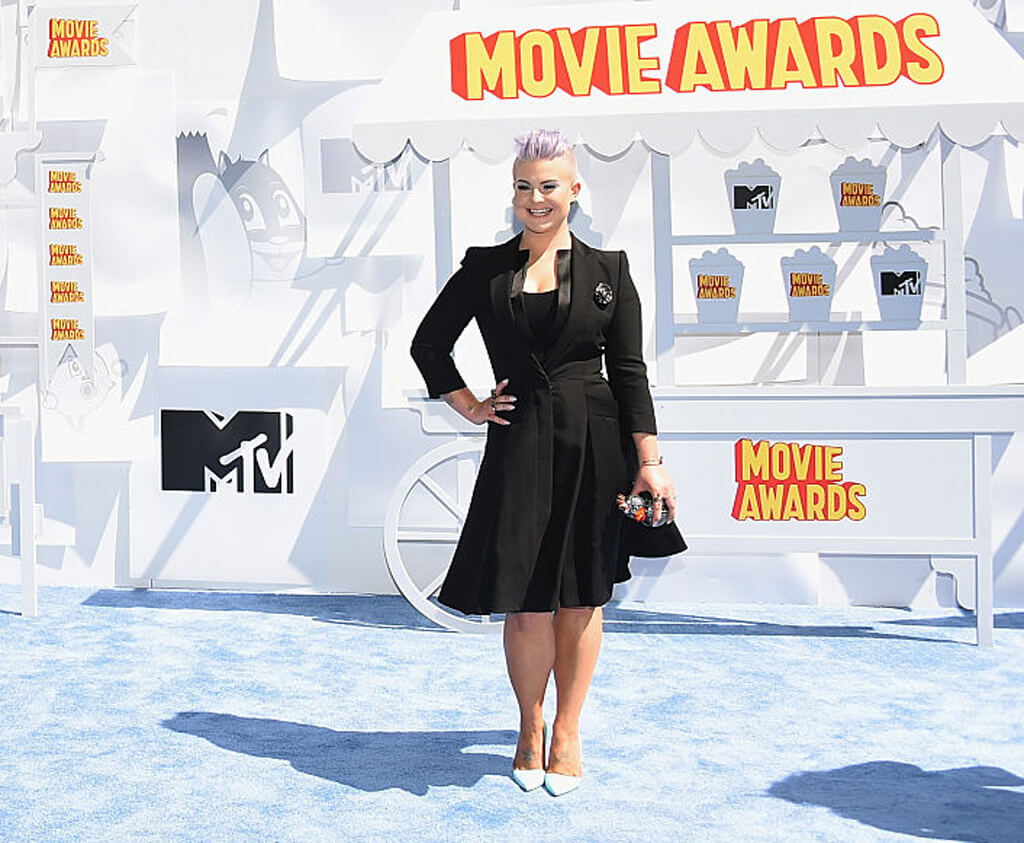 kelly-osbourne-red-carpet.jpg
