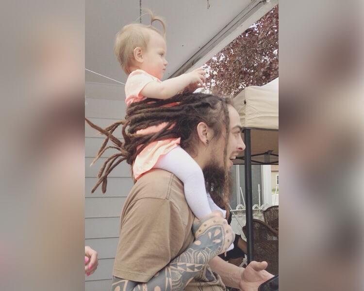 baby-in-hair-holder.jpg