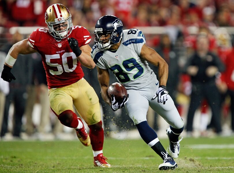 Chris Borland chases down a Seahawk during his lone season in the NFL