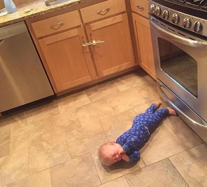 tantrum-kitchen-parenting.jpg
