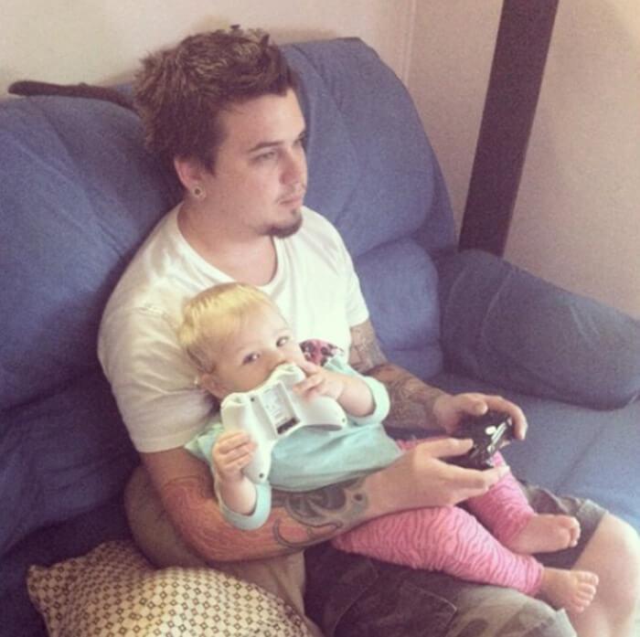 toddler-video-game-love.jpg