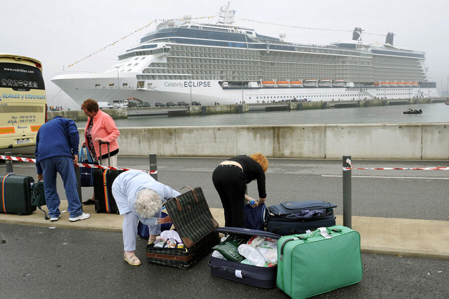 cruise luggage.jpg